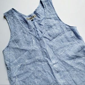 Flax• gingham blue floral line sleeveless top